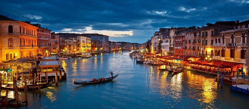 Travel to Venezia
